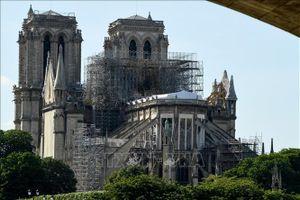 Các tỷ phú hứa hẹn quyên tiền khôi phục nhà thờ Đức Bà Paris chưa chi một đồng nào