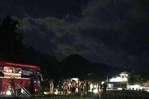 Thủ tướng yêu cầu xem xét trách nhiệm chủ xe khách bị tai nạn ở Hòa Bình