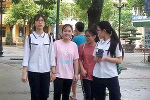 Tuyển sinh lớp 10 THPT ở Hà Nội: Điểm chuẩn giảm mạnh