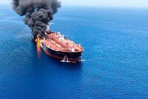 Mỹ xem xét hành động quân sự sau vụ tàu dầu bị tấn công ở vịnh Oman