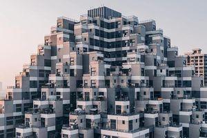 Tòa nhà kiểu kim tự tháp ở Trung Quốc gây chóng mặt