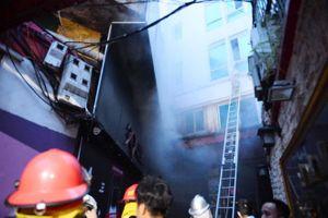 Hà Nội: Cháy khách sạn trên phố Lương Ngọc Quyến, hơn 30 người được giải cứu