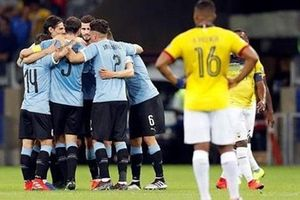 Suarez và Cavani lập công, Uruguay đại thắng Ecuador 4-0