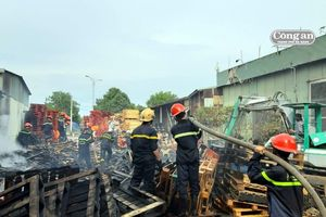 Cháy xưởng gỗ gia dụng