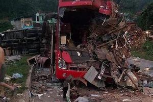 Xe tải đâm trực diện xe khách ở Hòa Bình, 3 người chết, 38 người bị thương