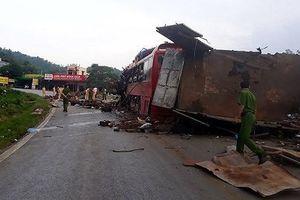 Danh tính các nạn nhân vụ xe tải chở sắt đâm xe giường nằm ở Hòa Bình