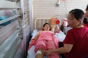 Gãy đốt sống ngực bị khoan nhầm cẳng chân, bệnh viện nói gì?