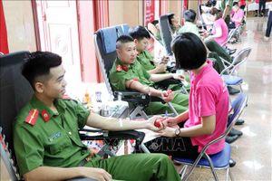 Ngày hội hiến máu 'Giọt hồng sông Đà'