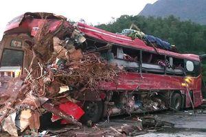 Đã xác định được danh tính 2 tài xế trong vụ tai nạn ở Hòa Bình