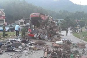 Vụ tai nạn xe khách kinh hoàng 40 người thương vong ở Hòa Bình: Ô tô tải biển số Lào không có dữ liệu tốc độ