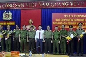 Khen thưởng các đơn vị phá chuyên án đánh bạc trên mạng ở Quảng Ninh