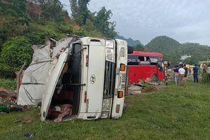 Tai nạn thảm khốc, hơn 40 người thương vong ở Hòa Bình: Xe tải và xe khách chạy tốc độ bao nhiêu?