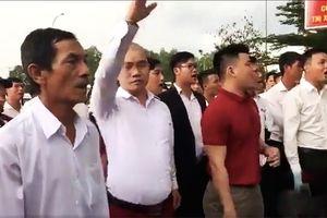Tổng giám đốc địa ốc Alibaba cùng nhân viên 'quây' trụ sở công an đòi thả người