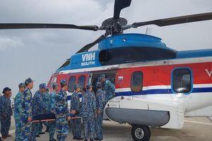12 tiếng bay căng thẳng đưa chiến sĩ vào đất liền cấp cứu