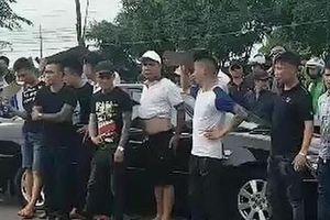 Vụ 'Giang hồ bao vây công an': Khởi tố vụ án, bắt đối tượng thứ 3