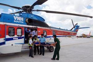 Dùng máy bay trực thăng đưa bệnh nhân từ Trường Sa về đất liền điều trị