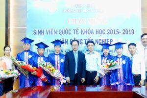 Trường ĐHSP Huế gặp mặt sinh viên quốc tế vừa tốt nghiệp đại học