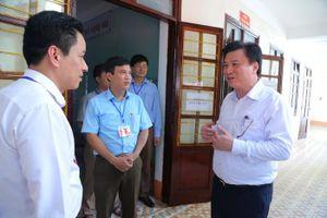 Thứ trưởng Nguyễn Hữu Độ kiểm tra công tác chuẩn bị thi THPT quốc gia tại Hà Giang