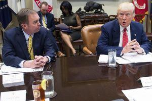 Ho liên tục, chánh văn phòng Nhà Trắng bị Tổng thống Trump mời khỏi phòng