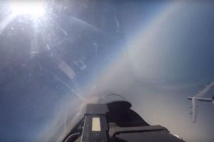 Video chiến cơ Nga chặn pháo đài bay B-52 Mỹ