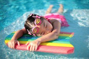 Đuối nước khô - mối nguy hiểm rình rập khi trẻ đi bơi ngày hè