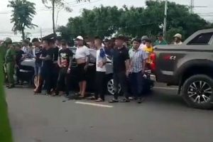 Đồng Nai triệu tập đối tượng vây xe chở công an