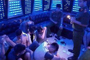 Hưng Yên: Đột kích quán karaoke PhanTom, phát hiện 93 đối tượng bay lắc