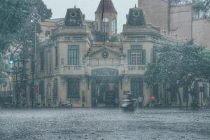 Dự báo thời tiết ngày 18/6: Hà Nội mưa lớn kéo dài, nhiệt độ cao nhất 31 độ C