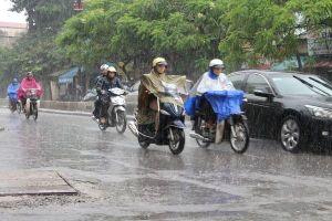 Bắc Bộ mưa lớn diện rộng, các tỉnh Trung Bộ nắng nóng gay gắt kéo dài