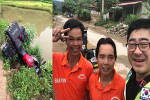 Phượt thủ trung niên Hàn Quốc lao xe xuống mương và sự cứu giúp kịp thời của 2 người đàn ông Việt