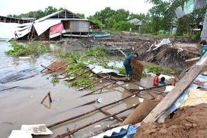 Mưa, lốc gây nhiều thiệt hại tại một số địa phương