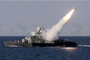 Căng thẳng leo thang, Iran dọa phong tỏa eo biển Hormuz