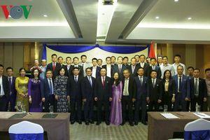 Phó Thủ tướng Vương Đình Huệ gặp gỡ doanh nghiệp Việt Nam ở Myanmar