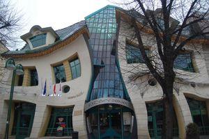 10 tòa nhà không thể 'dị' hơn trên thế giới