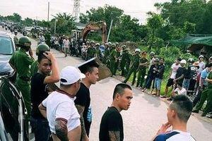 Vụ vây xe chở công an ở Đồng Nai: Người khâu 13 mũi nói 'bị cảnh sát cầm ghế phang rách trán'