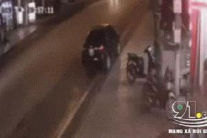 Clip: Khoảnh khắc ô tô chạy lấn làn gây tai nạn nghiêm trọng, hiện trường tai nạn gây ám ảnh