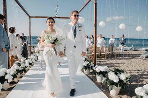 Chú rể chỉ nói 'bữa tiệc nhỏ' mà âm thầm hô biến thành đám cưới lộng lẫy hiếm có ở đảo Cyprus, bắn pháo hoa ngợp trời vì ghi nhớ một lời thổ lộ của cô dâu