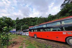 Sạt lở đèo Bảo Lộc, đường đi Đà Lạt kẹt xe nghiêm trọng