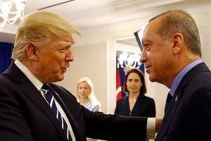 Ông Trump cân nhắc 3 gói trừng phạt áp vào Thổ Nhĩ Kỳ vì S-400