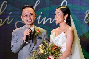 MC Phí Linh: 'Chồng tôi không phải soái ca nhưng vẫn hút hồn'