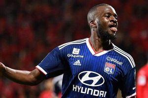 Lyon 'ngập' lời chào giá cầu thủ