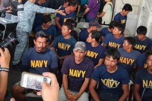 Bộ trưởng Philippines muốn tàu Trung Quốc xin lỗi, bồi thường vụ đâm chìm tàu