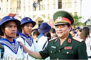 Thiếu tướng Trịnh Đình Thạch giữ chức Chính ủy Quân khu 5