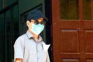 Gia đình bé gái bị sàm sỡ nói Nguyễn Hữu Linh 'quý cháu nên mới ôm hôn'?