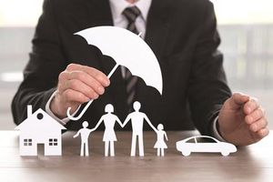 Nhà đầu tư cẩn trọng nói có với bảo hiểm