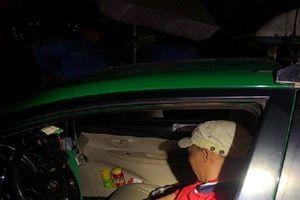 Hé lộ về kẻ dùng dao cướp taxi bị tóm gọn khi đang trên đường bỏ chạy