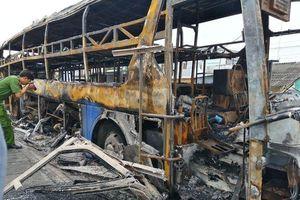 Vụ xe đang chở nhiều hành khách bất ngờ bốc cháy: Giám định chất lượng nhiên liệu