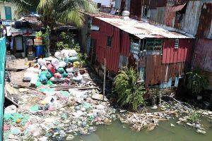 Chùm ảnh: Hàng nghìn hộ dân sống khổ trên rạch Xuyên Tâm ở TP.HCM