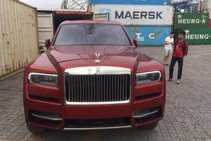 Rolls-Royce Cullinan màu đỏ lạ mắt về Việt Nam, giá trên 41 tỷ đồng