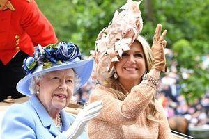 Công nương Kate gây choáng với phong cách sến súa quá đà, bị lu mờ trước nhan sắc hoàn hảo của 'đối thủ' hoàng gia đáng gờm